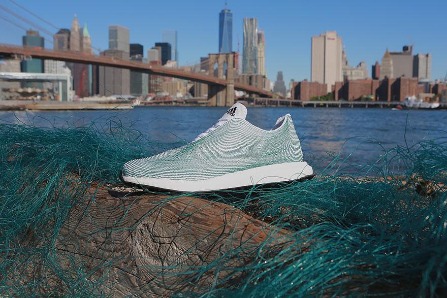 c3ed283635 Adidas začala vyrábať tenisky z odpadu oceánov - FinancnyTrh.com