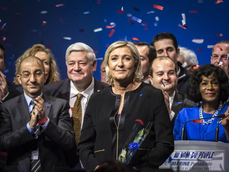 Francúzska krajne pravicová strana Národného frontu zvyšuje podporu.