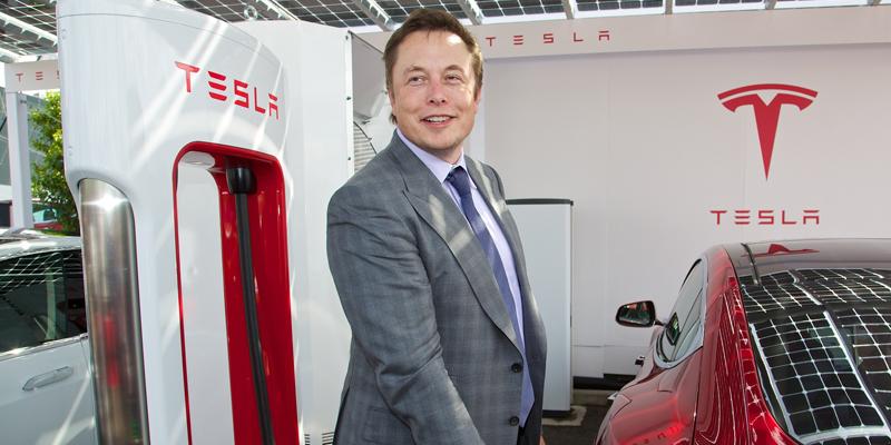 Je_spolocnost_Tesla_a_Elon_Musk_v_ohrozeni_2017