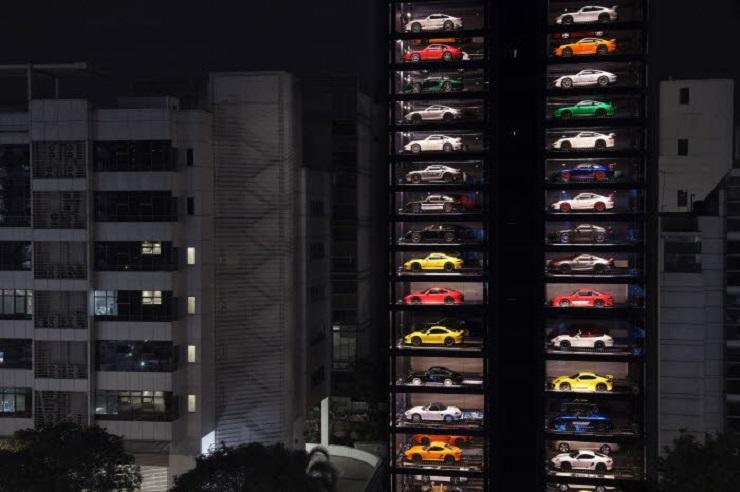 Automat_na_luxusne_Bentley_Ferrari_porsche_a_Lamborghini_2