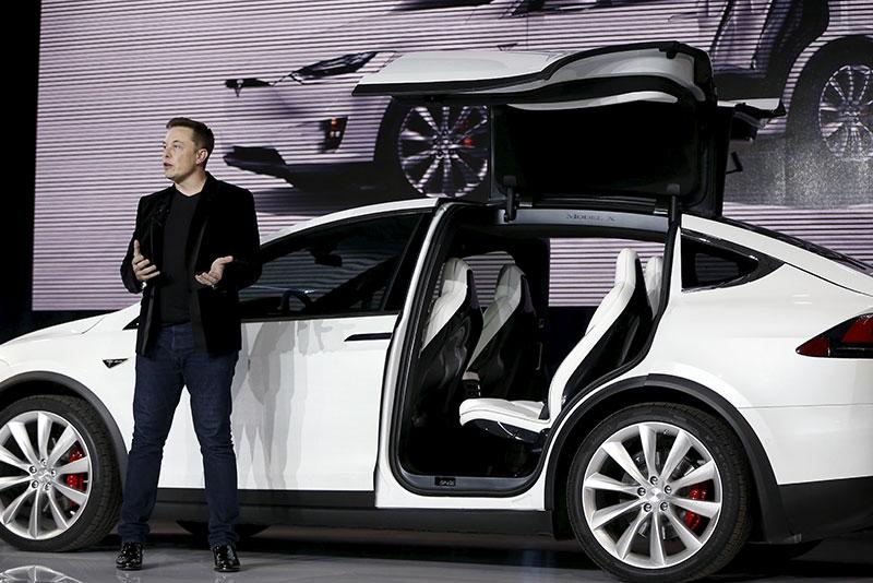 Elon_Musk_oznamil_kedy_Tesla_zacne_vyrabat_Model_Y_2019