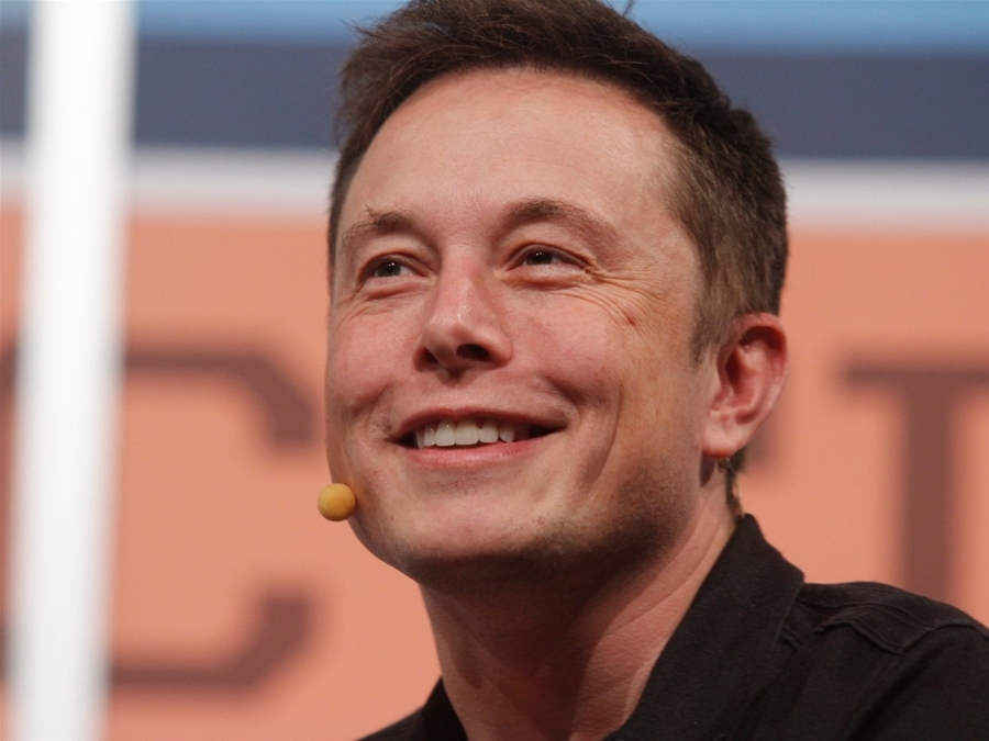 Solarna_strecha_spolocnosti_Tesla_s_nekonecnou_zarukou