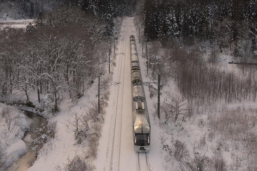Vylet_japonskeho_luxusneho_vlaku_za_7_200_libier_2017_5