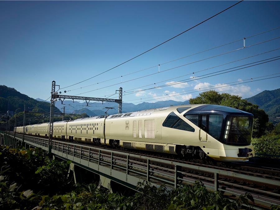 Vylet_japonskeho_luxusneho_vlaku_za_7_200_libier_2017_Top