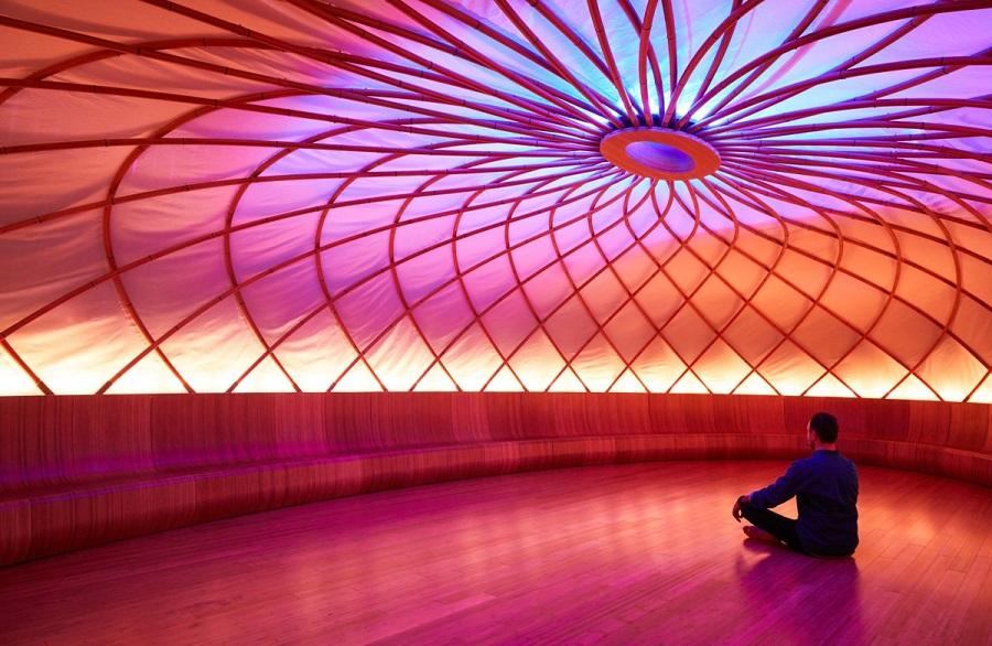 Novootvorene_meditacne_centrum_v_New_Yorku_zarobilo_uz_miliardu_2017_11