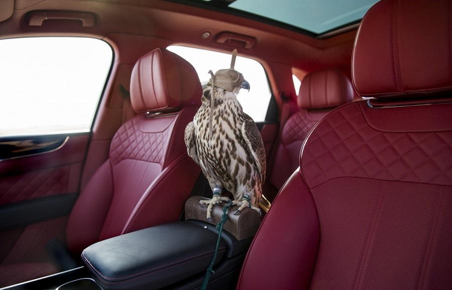 Luxusne_SUV_od_Bentley_vytvorene_pre_Stredny_vychod_1