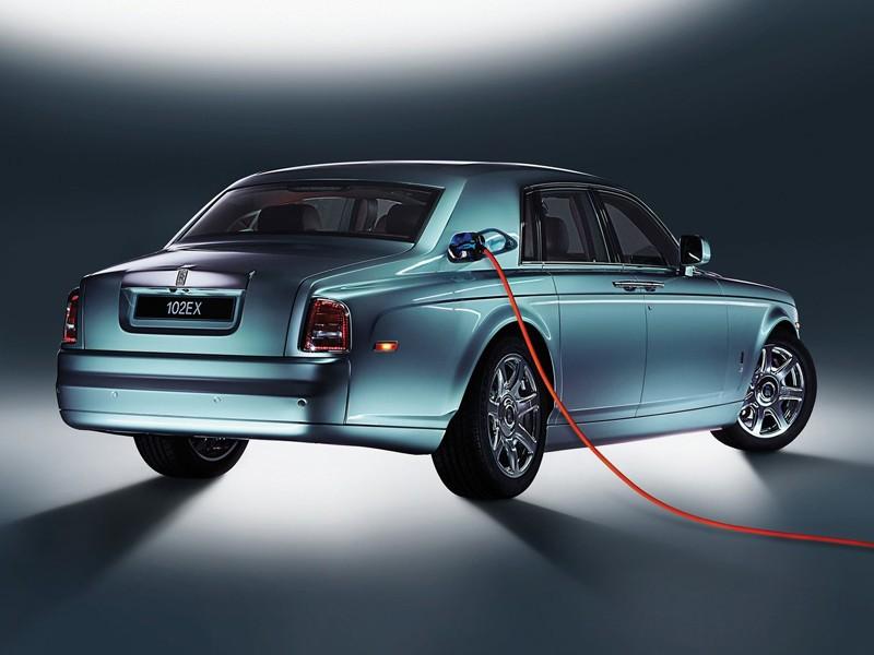 Rolls_Royce_preskoci_hybridy_a_pojde_rovno_k_elektrickym_automobilom_2017