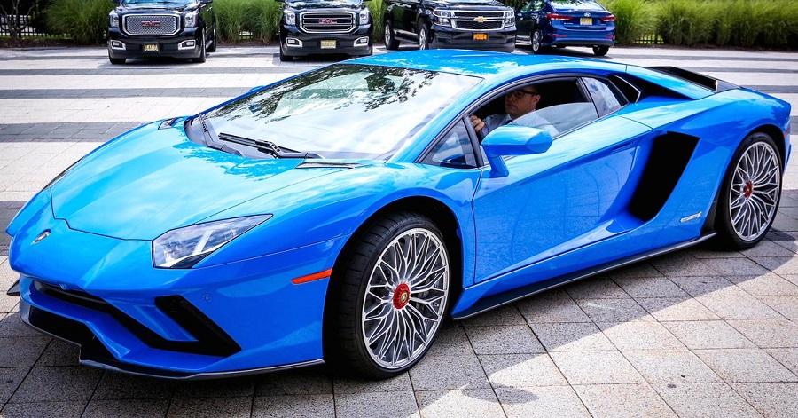 Lamborghini_poslala_svoj_najdrahsi_model_do_noveho_extremu_2017
