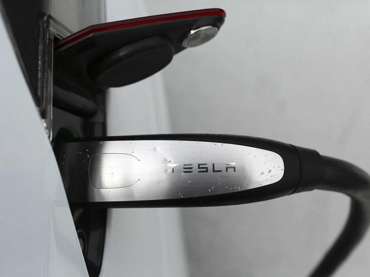 Co_vieme_o_elektrickom_kamione_od_spolocnosti_Tesla_2017_5