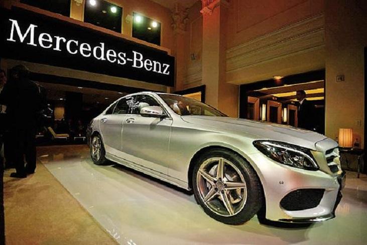 Mercedes_ziskava_kontrolu_nad_svetovym_trhom_s_luxusnymi_automobilmi_2017