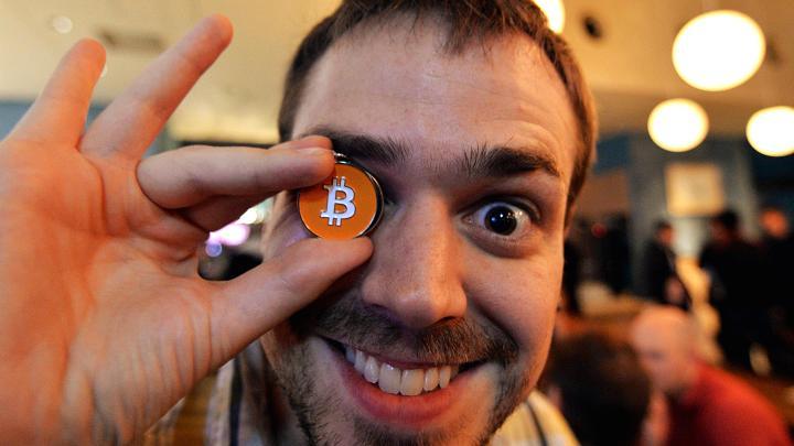 Bitcoin_po_vypredaji_za_12_hodin_vzrastla_o_10_miliard_2017