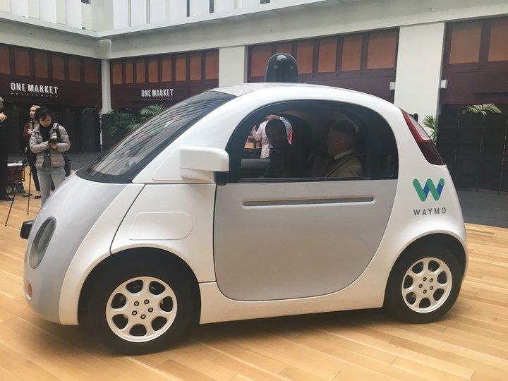 Možná budúcnosť automobilového priemyslu.