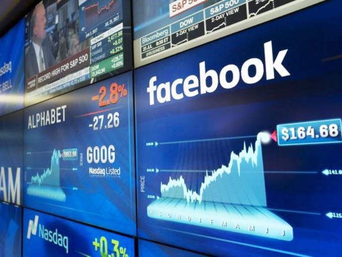 Sef_WPP_Sir_Martin_Sorrell_Google_a_Facebook_by_sa_mali_obavat_vladnej_regulacii