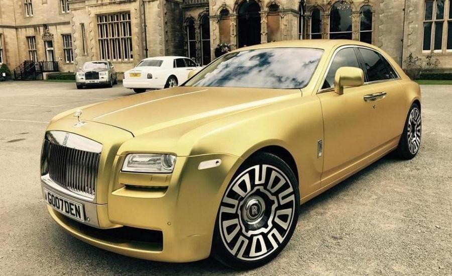 Tento_zlaty_Rolls_Royce_moze_byt_vas_len_za_16_Bitcoinov_2017