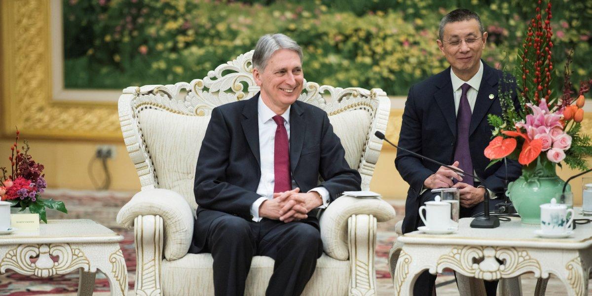 Britský kancelár Philip Hammond na návšteve v Číne, december roku 2017.