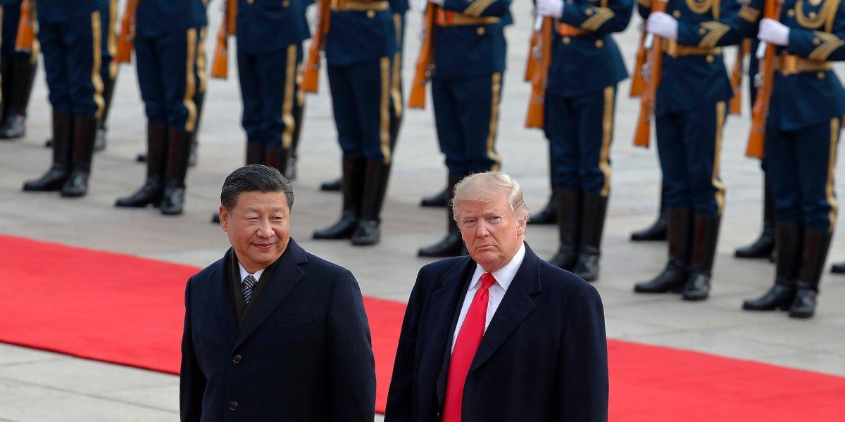 Čínsky prezident Xi Jinping a americký prezident Donald Trump na stretnutí v Číne v novembri roku 2017.