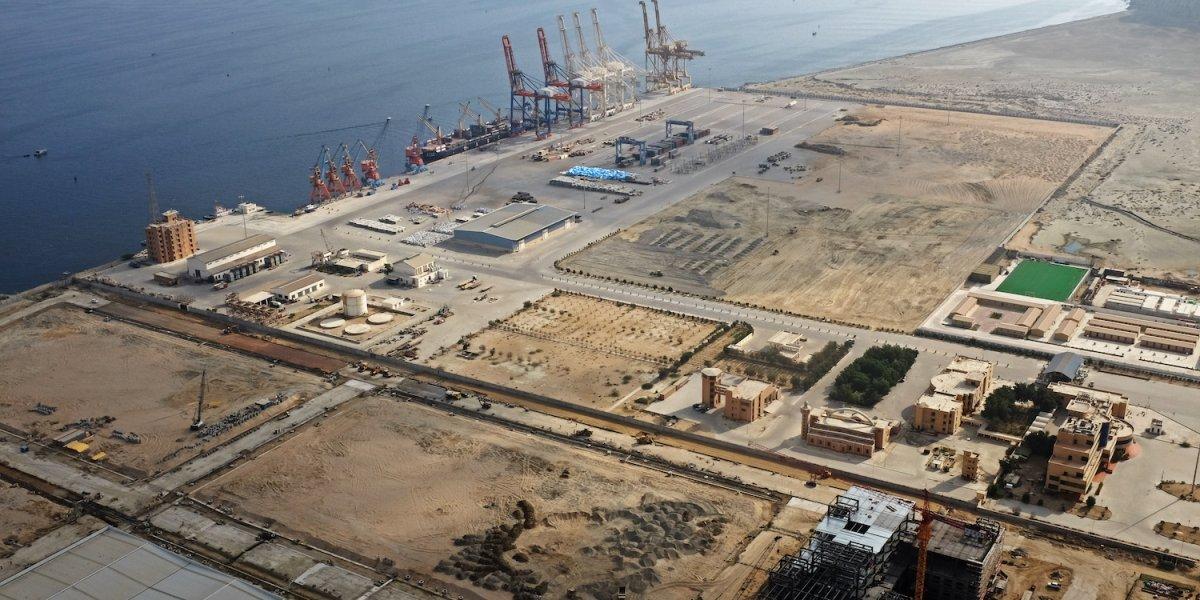 Pakistanský prístav Gwadar, ktorý je súčasťou ekonomického koridoru medzi Čínou a Pakistanom. Október roku 2017.