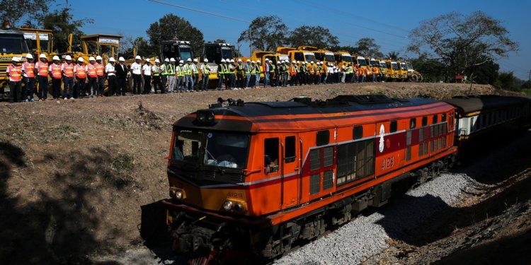 Ceremónia spojená so začiatkom budovania vysokorýchlostnej železničnej trate Bangkok-Nong Khai v thajskom meste Nakhon Ratchasima v decembri roku 2017.