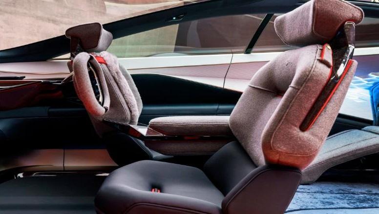 Aston_Martin_vytvoril_znacku_elektrickeho_auta_1