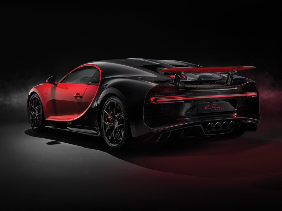 Bugatti Chiron Sport zo zadu.