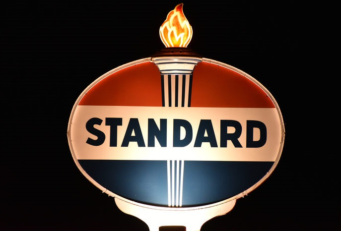 Logo Standard Oil.
