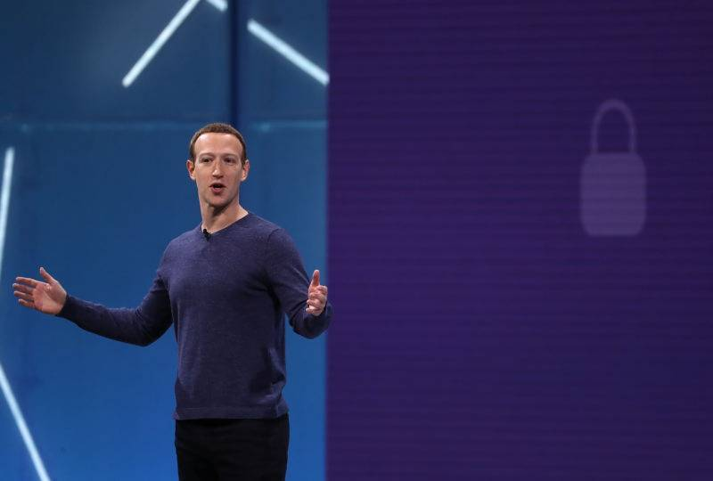 Facebook_po_skandale_prida_moznost_Vymazat_historiu_2018