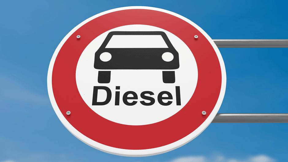 Hamburg_zacne_zakazovat_naftove_automobily_2018