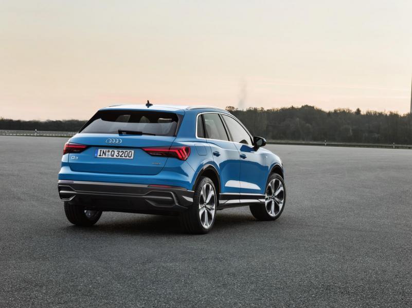 Audi Q3 zo zadu.