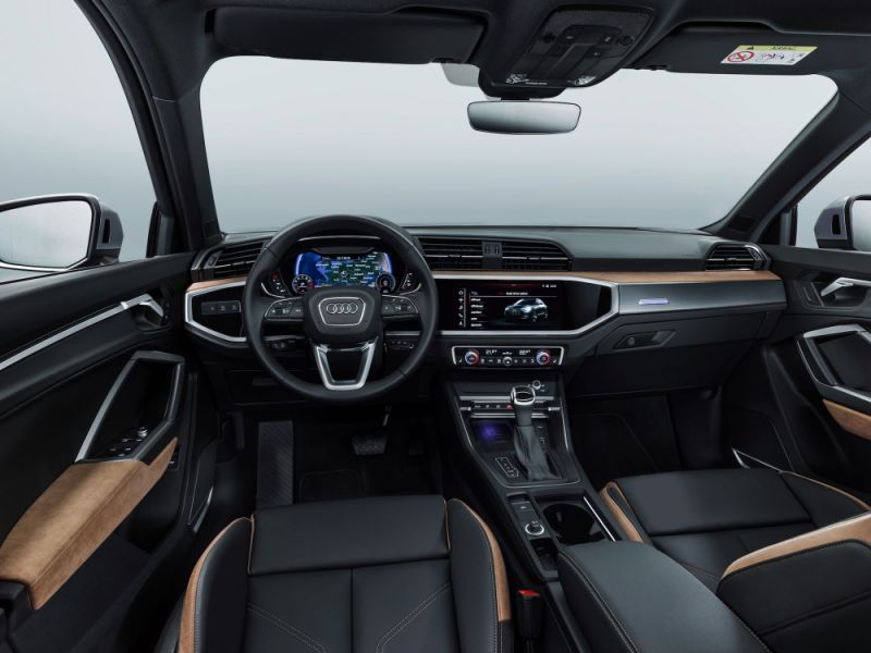 Interiér Audi Q3.