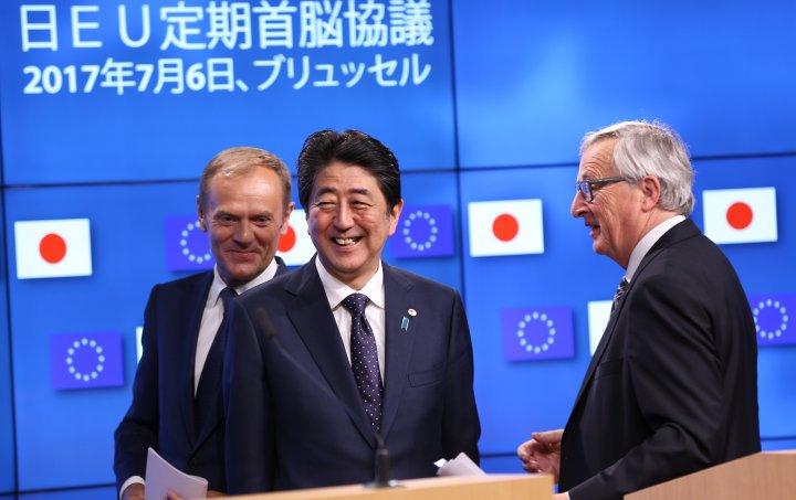 EU_a_Japonsko_podpisali_obchodnu_dohodu_ktora_pokryva_tretinu_svetoveho_hospodarstva_top