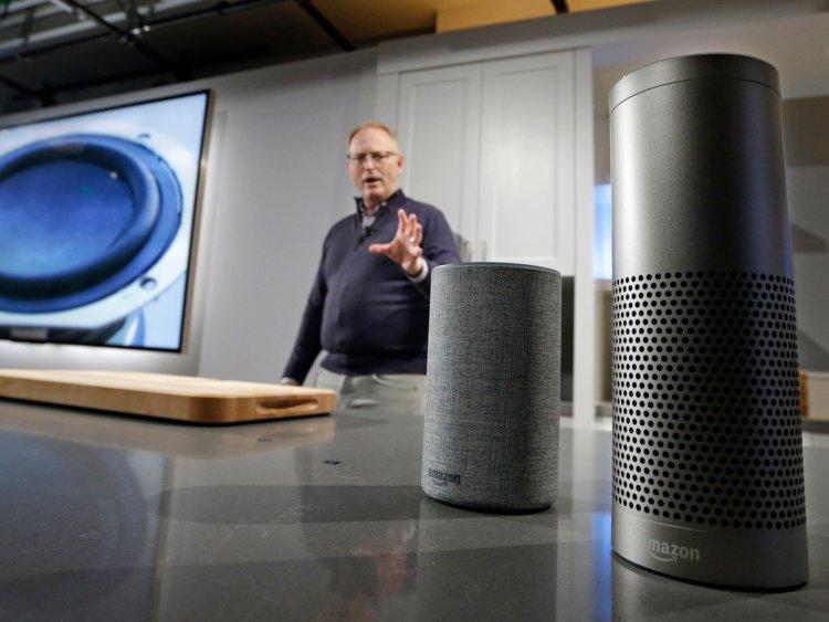 Zariadenia Amazon Echo sú inteligentným reproduktormi so službou Alexa.