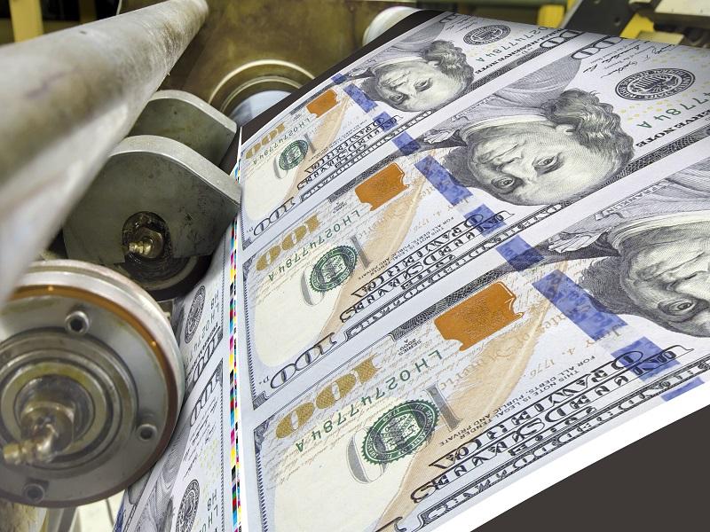 Byvaly_ekonom_MMF_Fed_by_mal_kupovat_aj_akcie