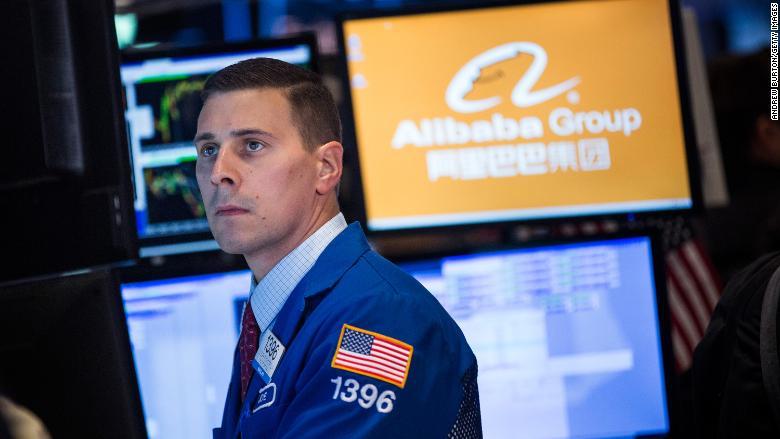 Podnikanie Alibaby bolo ovplyvnené pretrvávajúcim obchodným sporom medzi Čínou a Spojenými štátmi.