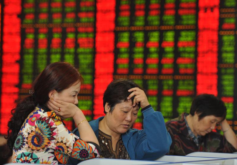Cinsky_juan_prekracuje_svoju_najslabsiu_uroven_od_financnej_krizy