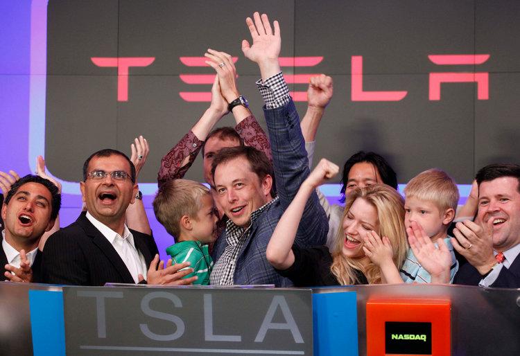 Elon_Musk_nakupil_akcie_Tesla_za_10_milionov