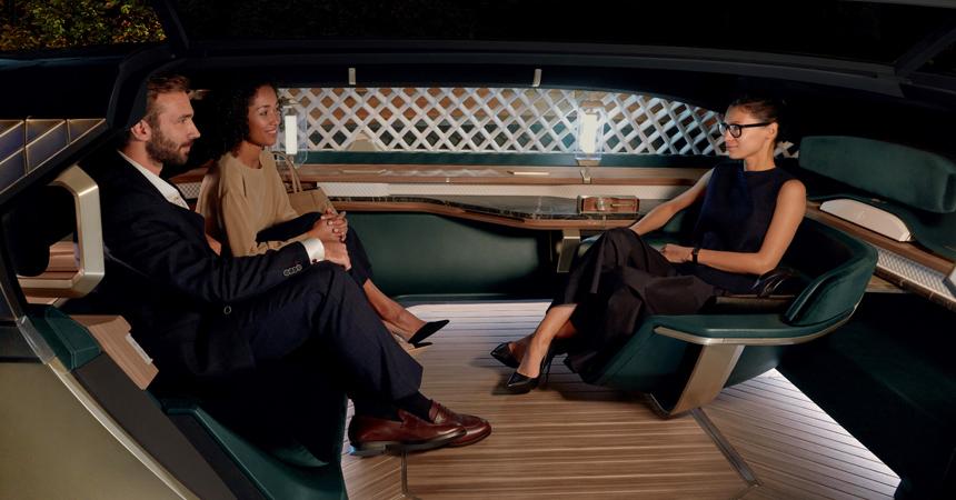 Interiér EZ-Ultimo je navrhnutý tak, aby bol futuristický, ale pôsobil relaxačne a upokojujúco.