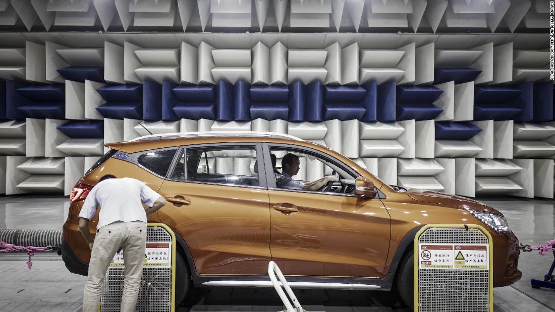 Cina_rozdrvuje_sny_EU_o_elektrickych_automobiloch