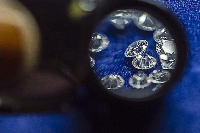 De_Beers_ponuka_velke_zlavy_na_diamanty_nizkej_kvality