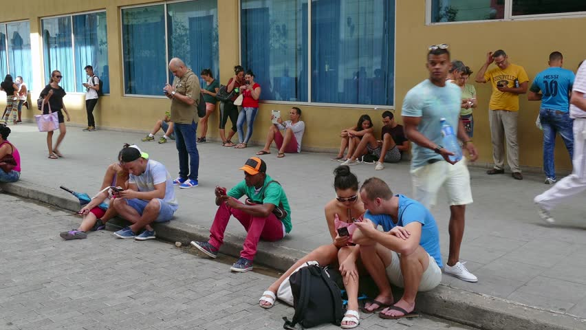 Kuba_prvykrat_spustila_mobilny_internet