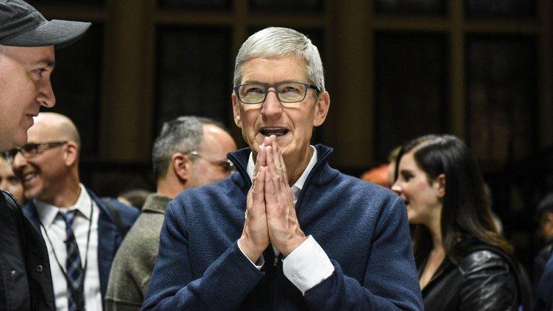 CEO Apple - Tim Cook.