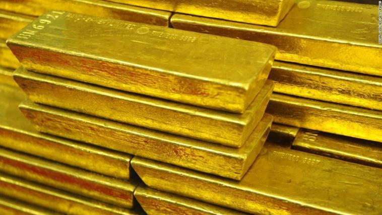 Investori_nakupuju_zlato_ked_akciove_trhy_prepadaju