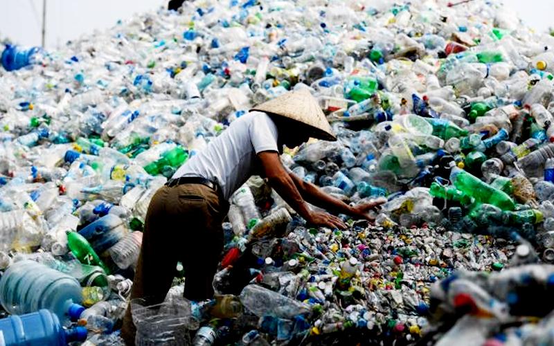 Malajzia_nasleduje_Cinu_a_zakazuje_dovoz_plastoveho_odpadu