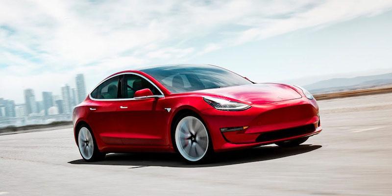 Tesla_sa_priblizuje_k_schvaleniu_predaja_Modelu_3_v_Europe