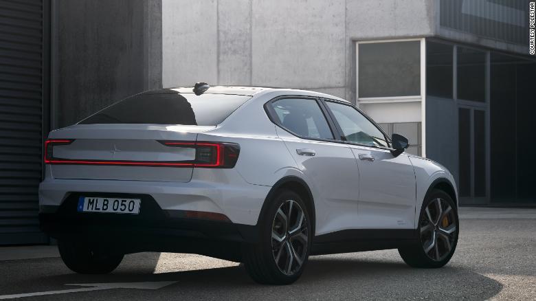 Polestar 2 obsahuje senzory pre automatické šoférovanie a parkovanie.