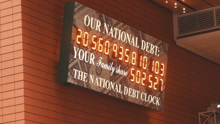 Štátny dlh USA = $22 biliónov.