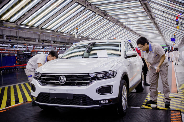 FAW-Volkswagen employees at the Foshan factory