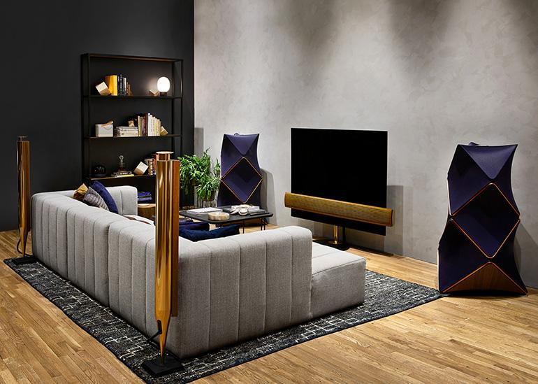 Televízor od Bang & Olufsen - BeoVision Eclipse za 15000 dolárov.