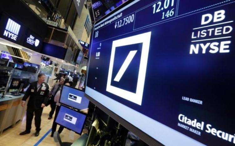 Pat_grafov_ukazuje_velke_problemy_nemeckych_bank