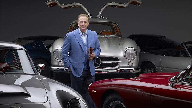 Miles Nadal a časť jeho zbierky automobilov.