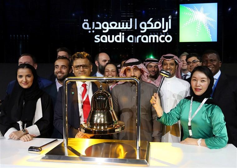 Akcie_spolocnosti_Saudi_Aramco_po_zacati_obchodovania_vyskocili_o_10%